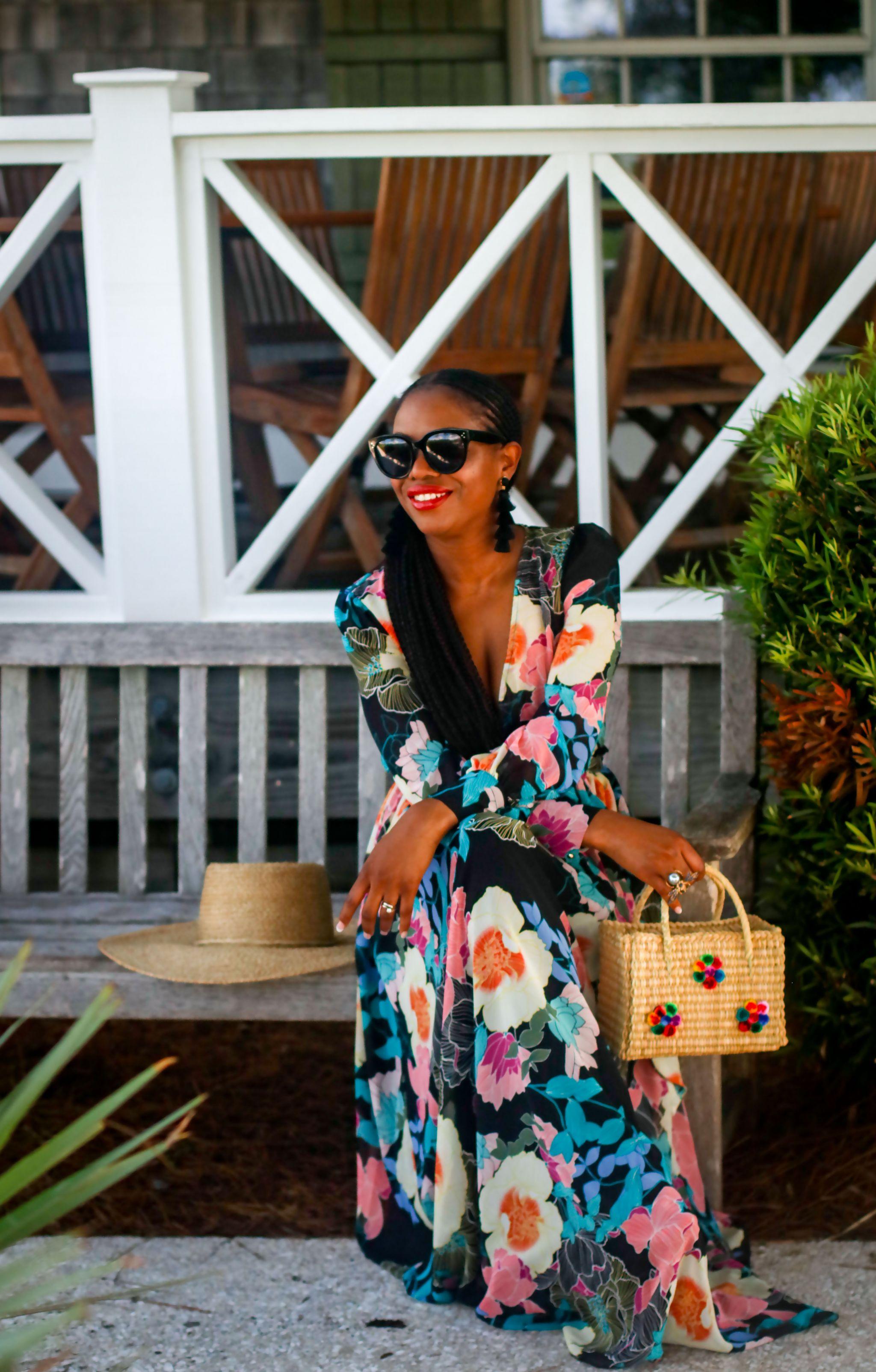 Fashion blogger wearing Maxi dress to the beach.jpg 8