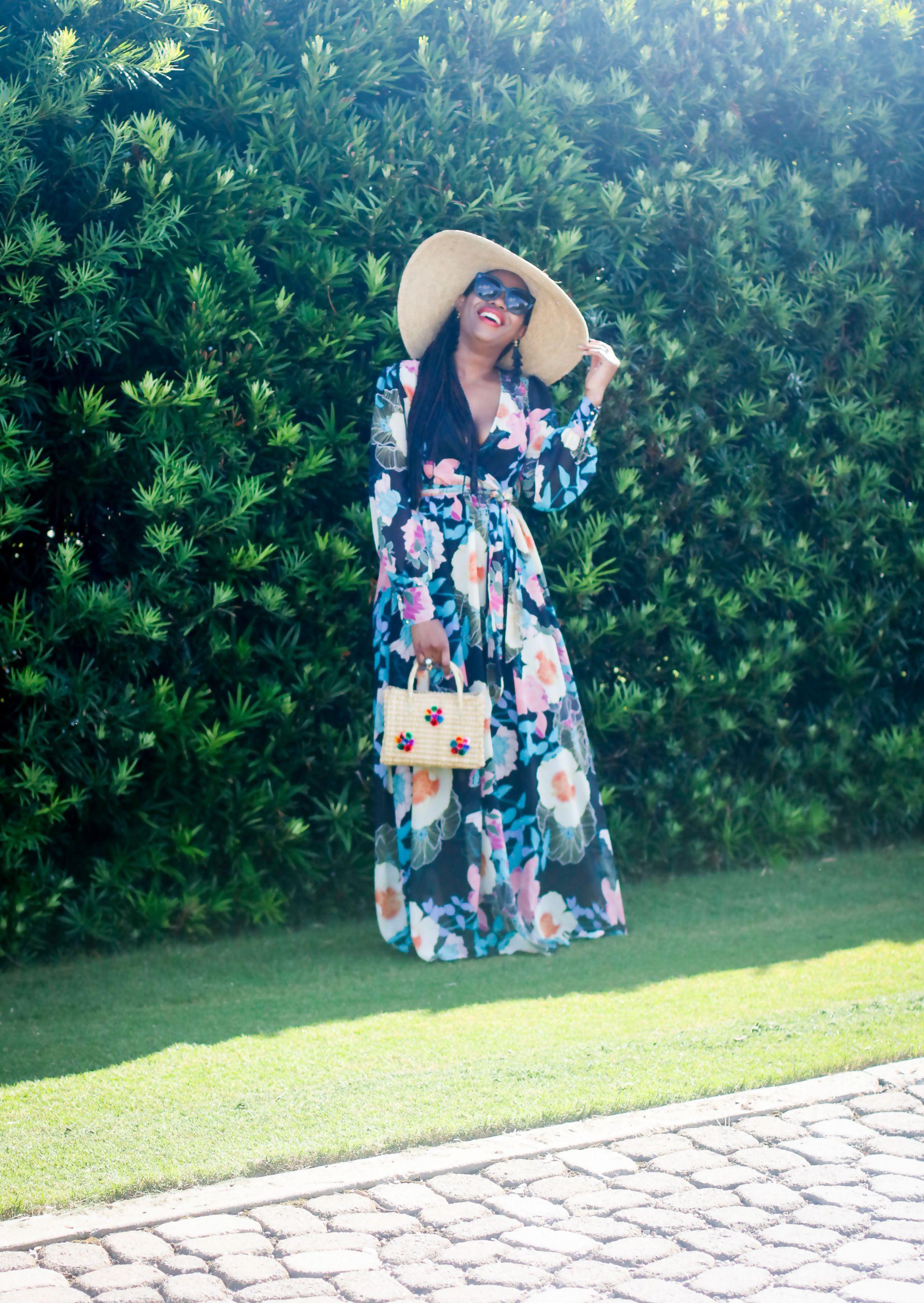 Fashion blogger wearing Maxi dress to the beach.jpg 9
