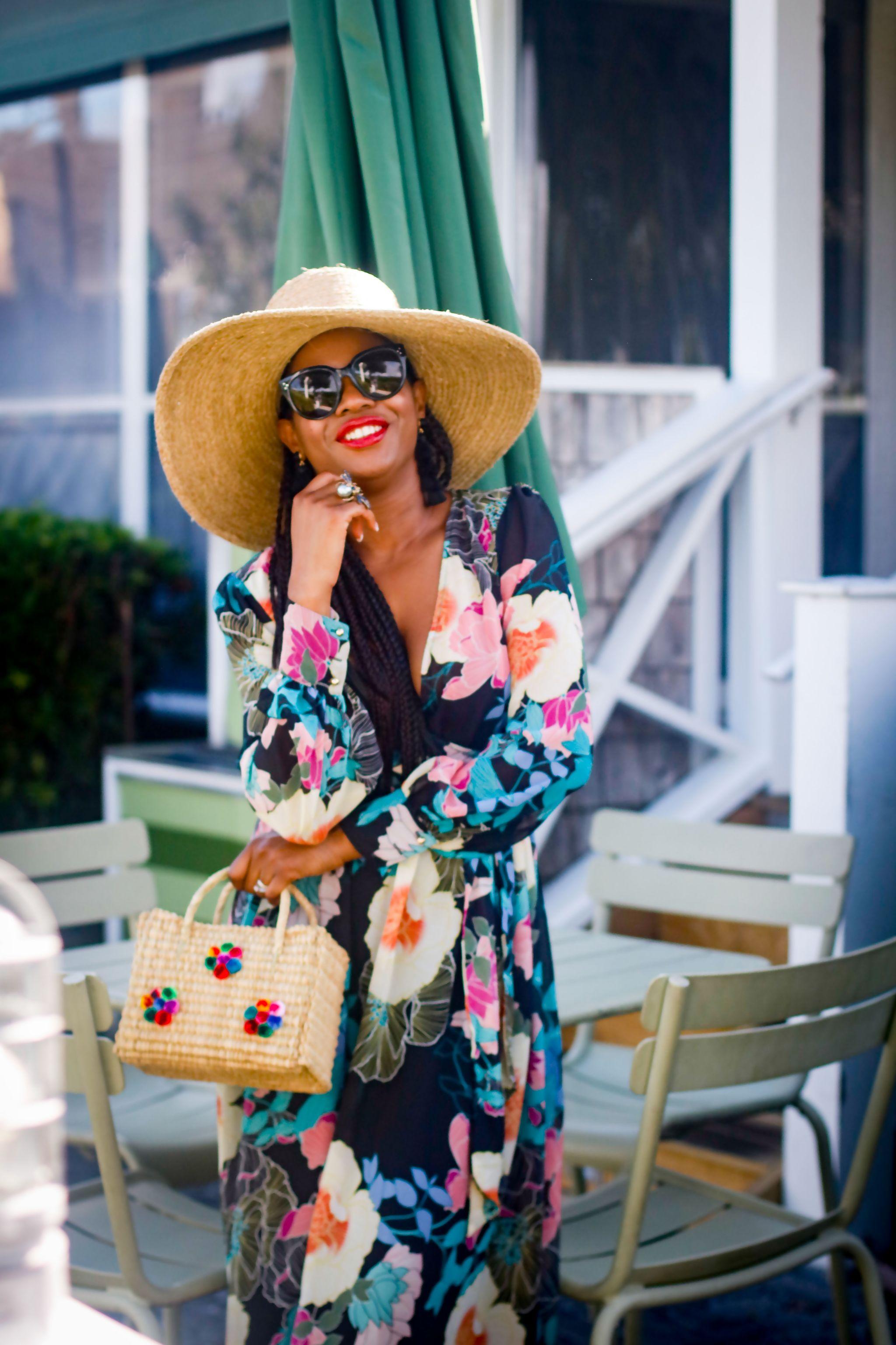 Fashion blogger wearing Maxi dress to the beach.jpg