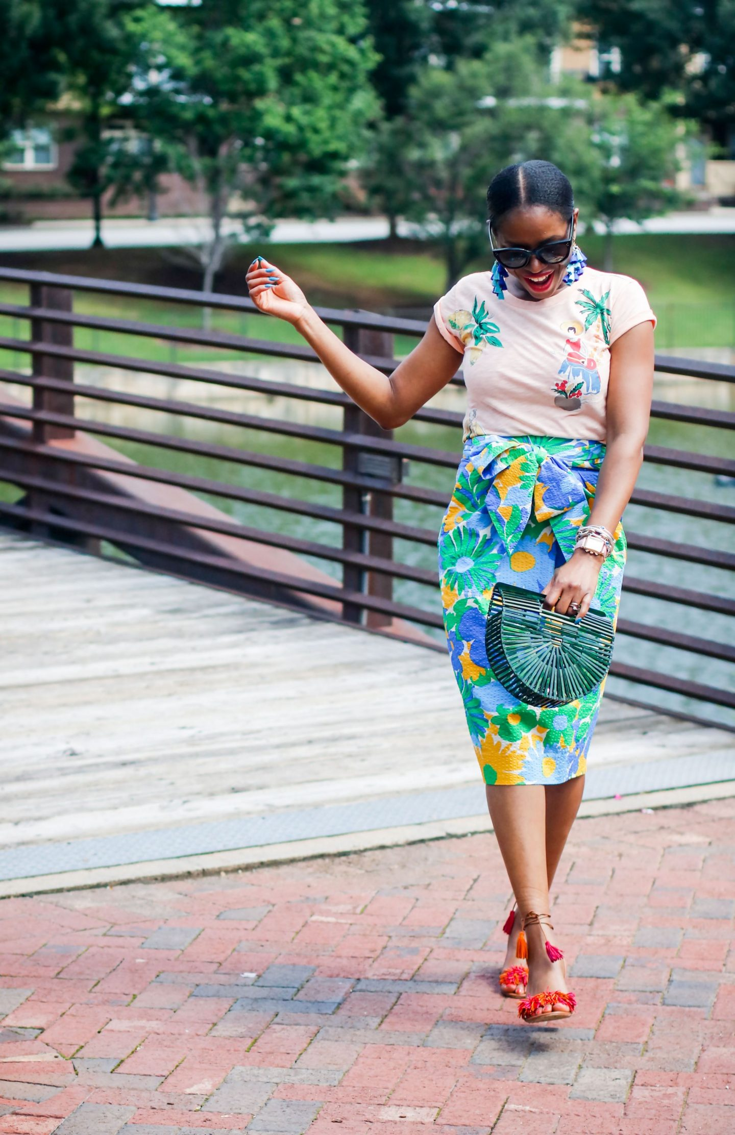WEARING TROPICAL PRINTS