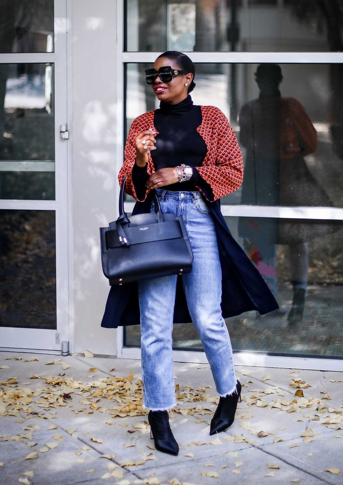 A LONG JACKET THAT WILL MAKE YOUR OUTFIT CHIC