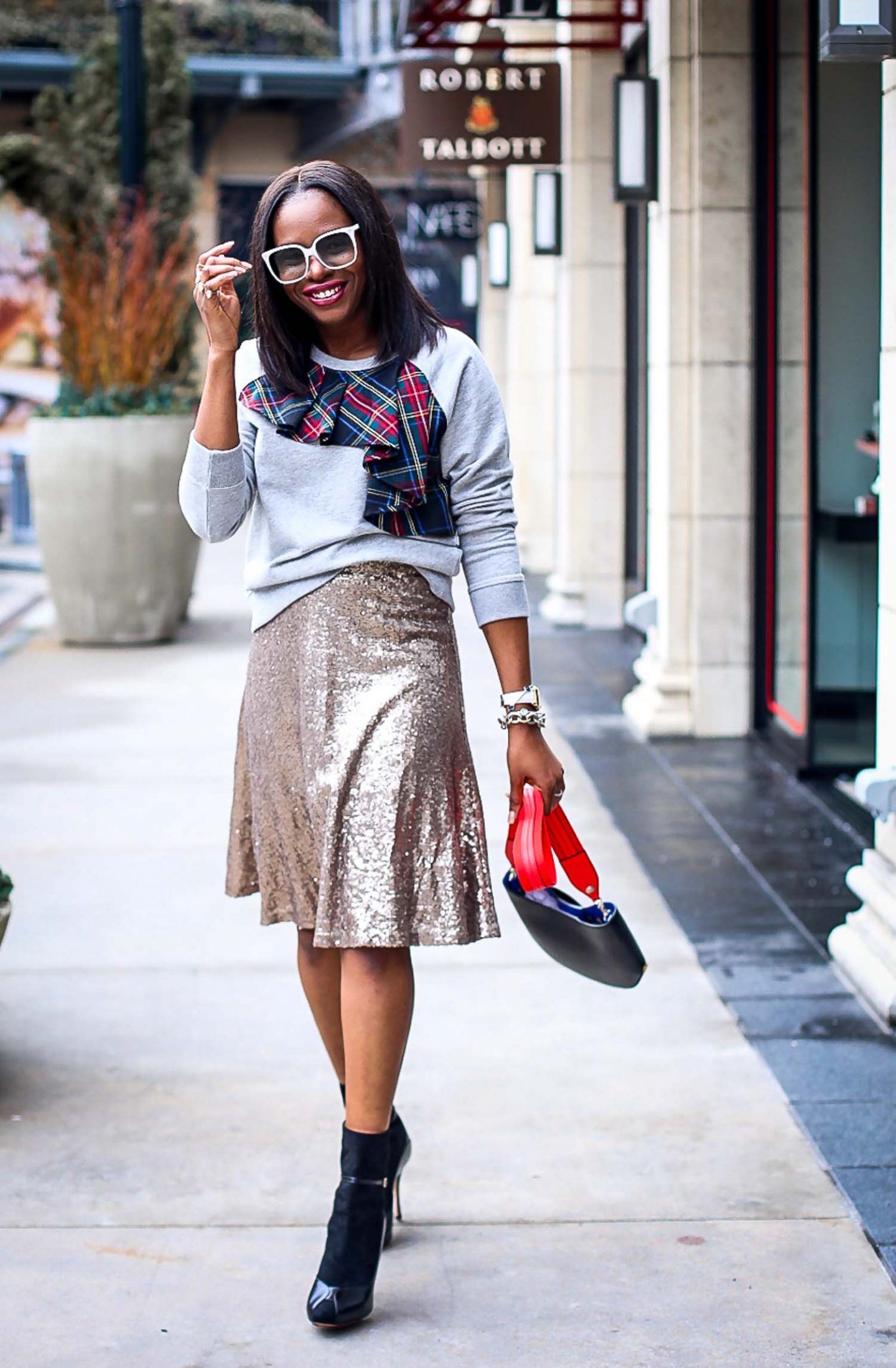 How to sequin wear skirt in winter rare photo