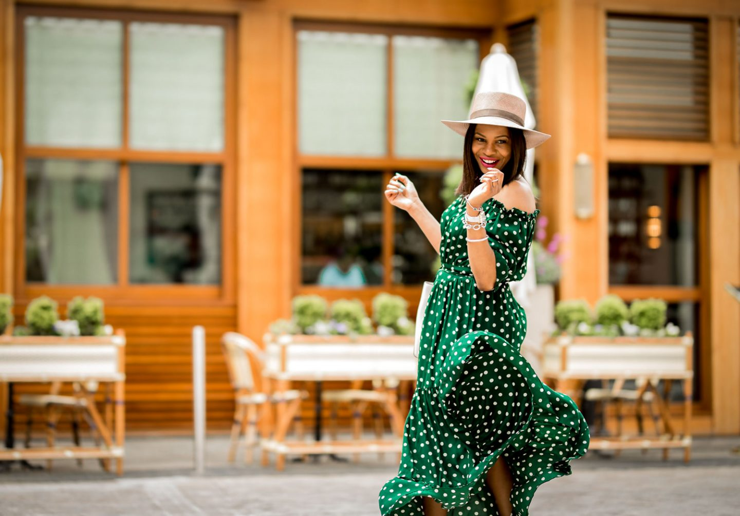 CONNECTING THE DOTS – A MODERN WAY TO STYLE THE POLKA-DOT TREND