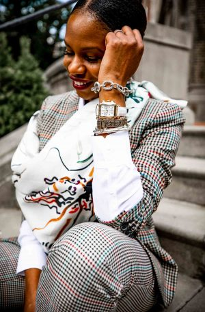 How to wear a square silk scarf