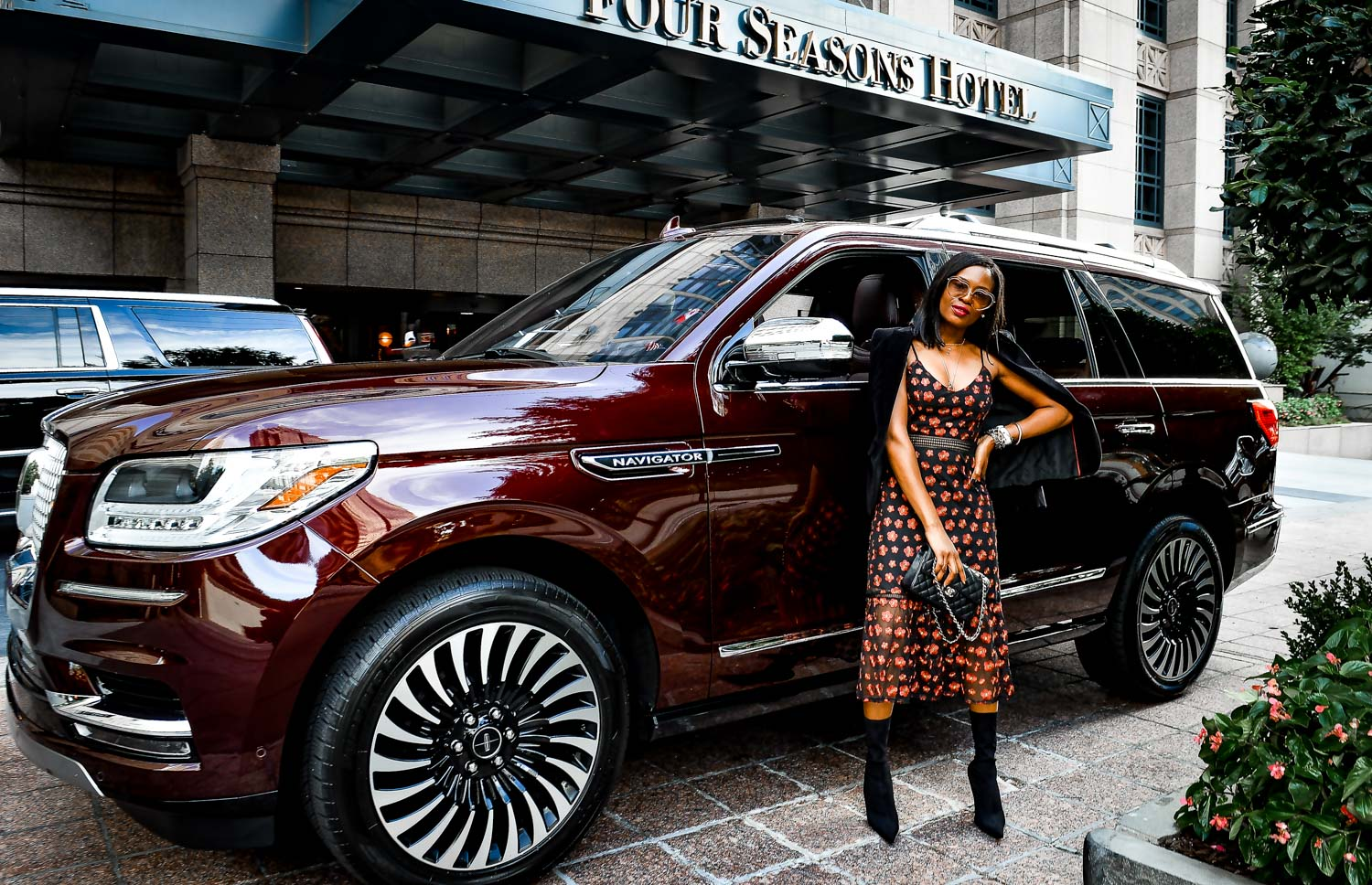 Atlanta fashion and lifestyle blogger Monica Awe-Etuk shows you how to create the perfect high-low outfit for fall brunch at the Four Seasons hotel