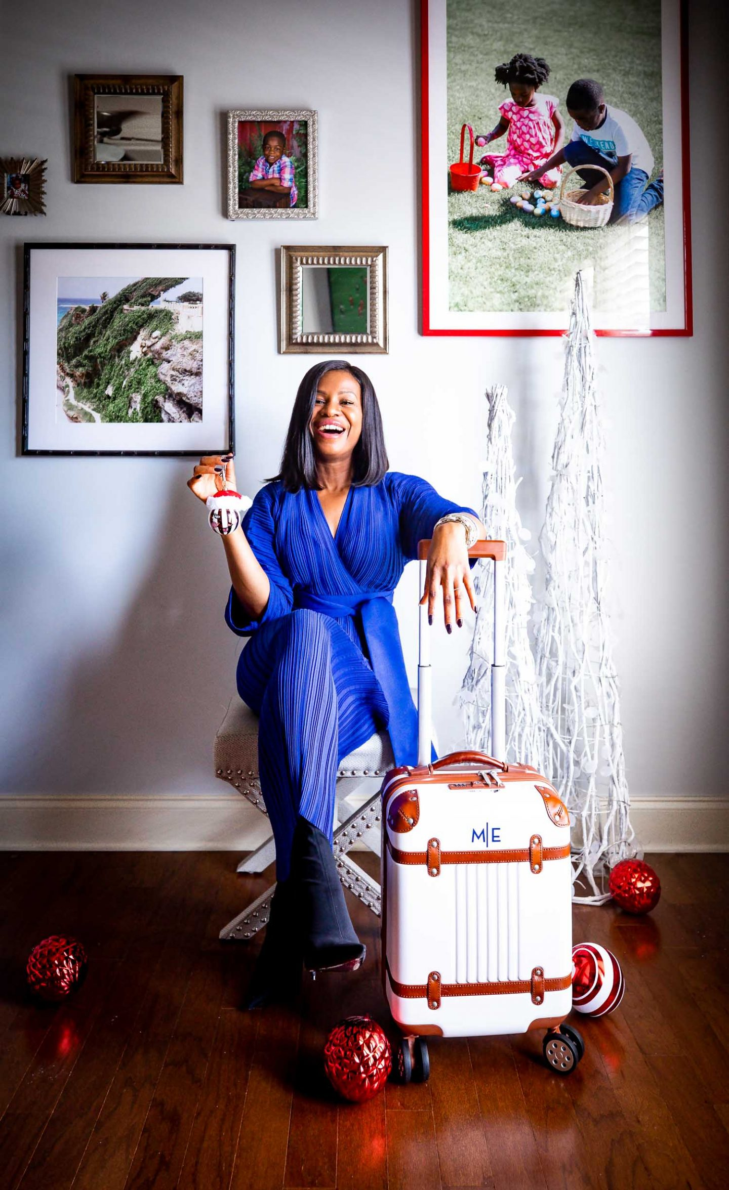 Atlanta fashion and lifestyle blogger Monica Awe-Etuk selects the best holiday gifts from Mark & Graham. Personalized spinner