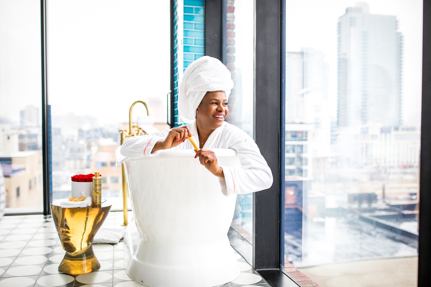 Atlanta lifestyle blogger Monica Awe-Etuk at the Williamsburg Hotel suit in Brooklyn shares her experience using PantenePro-V Intense Rescue Shots. Best at-home hair treatments for black hair._-10
