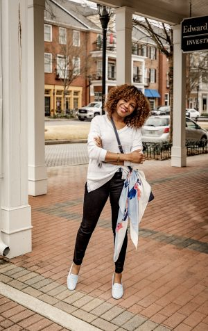 atlanta fashion and lifestyle blogger monica awe-etuk shows you stylish mom outfits for soccer and gymnastics.
