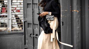 atlanta blogger wearing dior oblique belt bag. 10 ways to wear a belt bag