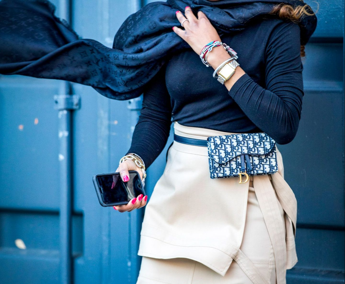Atlanta lifestyle blogger Monica Awe-Etuk wearing the dior belt bag, philip lim midi skirt, gucci sunglasses and louis Vuitton scarf. How to wear the belt bags trend