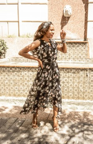 How to wear a floral maxi dress for spring. floral maxi to the derby, wear floral maxi to a garden party. Atlanta fashion bloggers Monica Awe-Etuk white houe black market black floral dress and teal blazer for spring.jpg