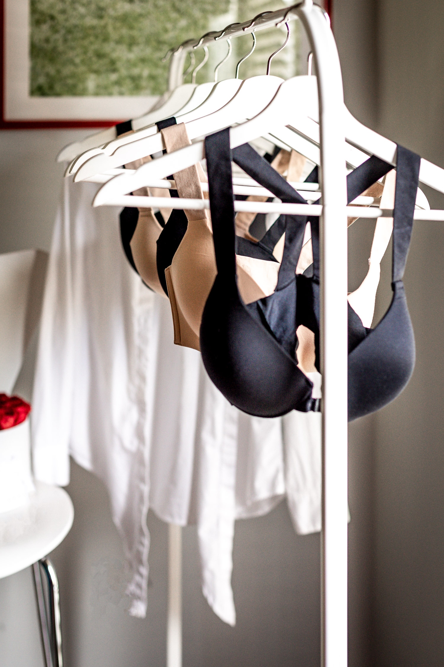 Atlanta blogger Monica Awe-Etuk tries the new spanx bra-llelujah collection. bra.