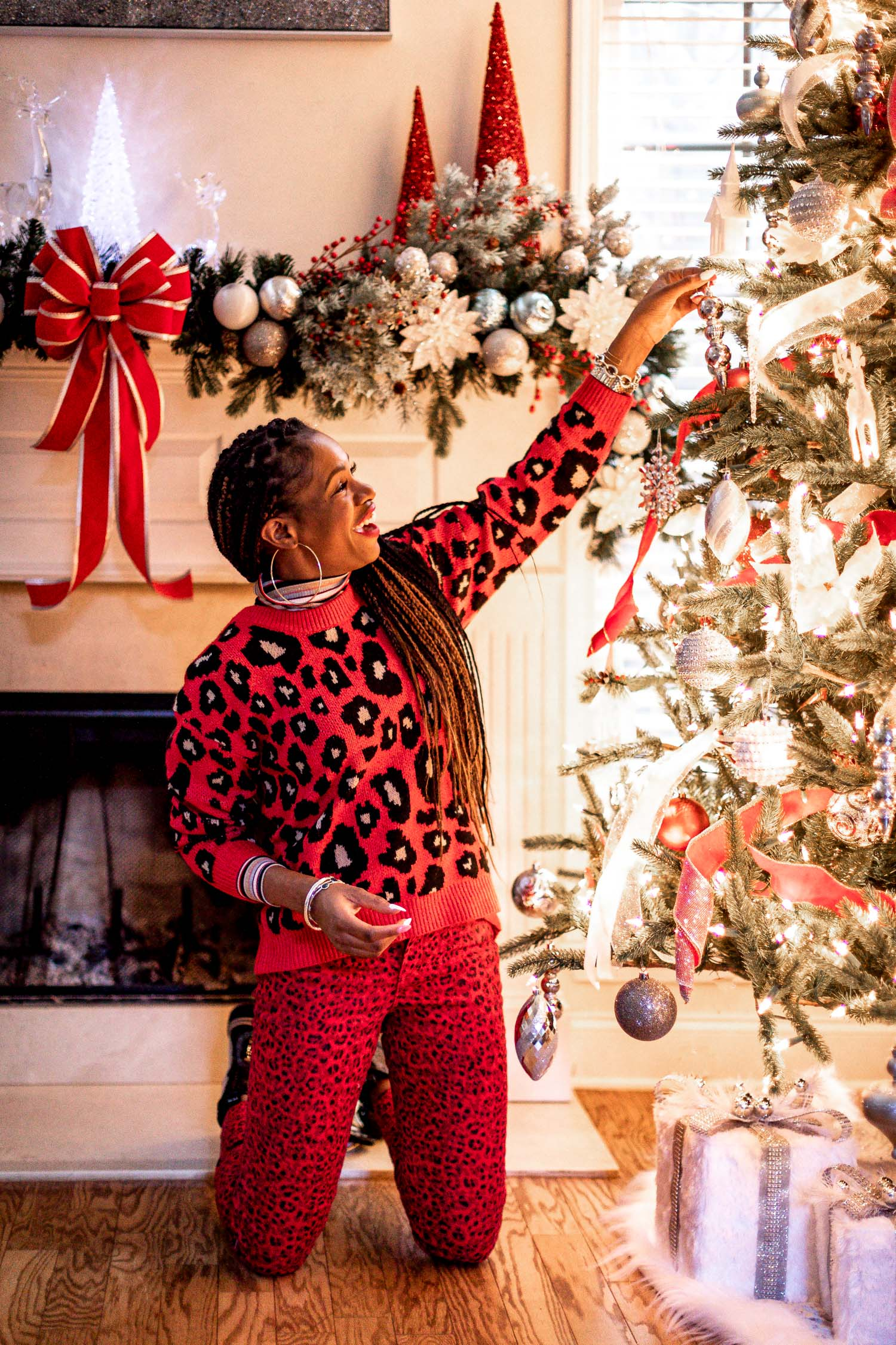 how to wear red during the holidays, how to wear red without being too christmasy, stylish ways to wear red during the holidays, how to style a red christmas sweater, top atlanta blogger decorates christmas tree wearing scoop from walmart