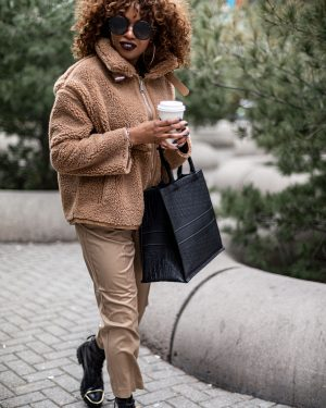 atlanta blogger wearing zara brown teddy jacket in toronto,