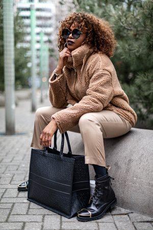atlanta blogger wearing zara brown teddy jacket in toronto,