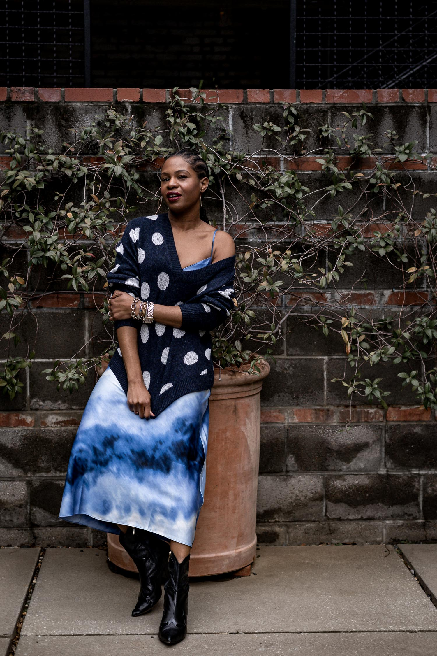 atlanta blogger monica awe-etuk wearing scoop at walmart tye-die slip dress and tye-die denim jacket, tye-die slip dress, how to wear tie-dye in cold weather, 2020 spring trends, what to wear for spring, how to wear spring trends in cold weather, spring trends to buy in 2020, pre-spring, transitional wear for spring , spring fashion , walmart, scoop, scoop at walmart