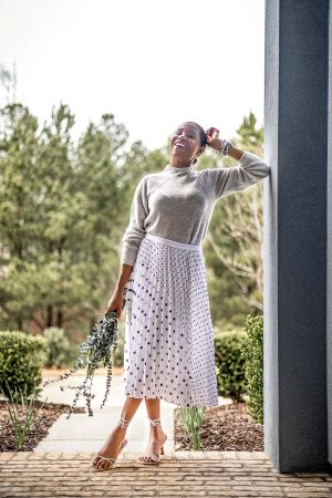 atlanta blogger monica awe-etuk wearing banana republic polkadot midi skirt and grey sweater for spring, what to wear to work, how to look feminine and powerful to work, how to dress like a boss, what to wear to wear, spring work outfits, what to wear to work for spring, best work outfits, how to wear polkadots to work