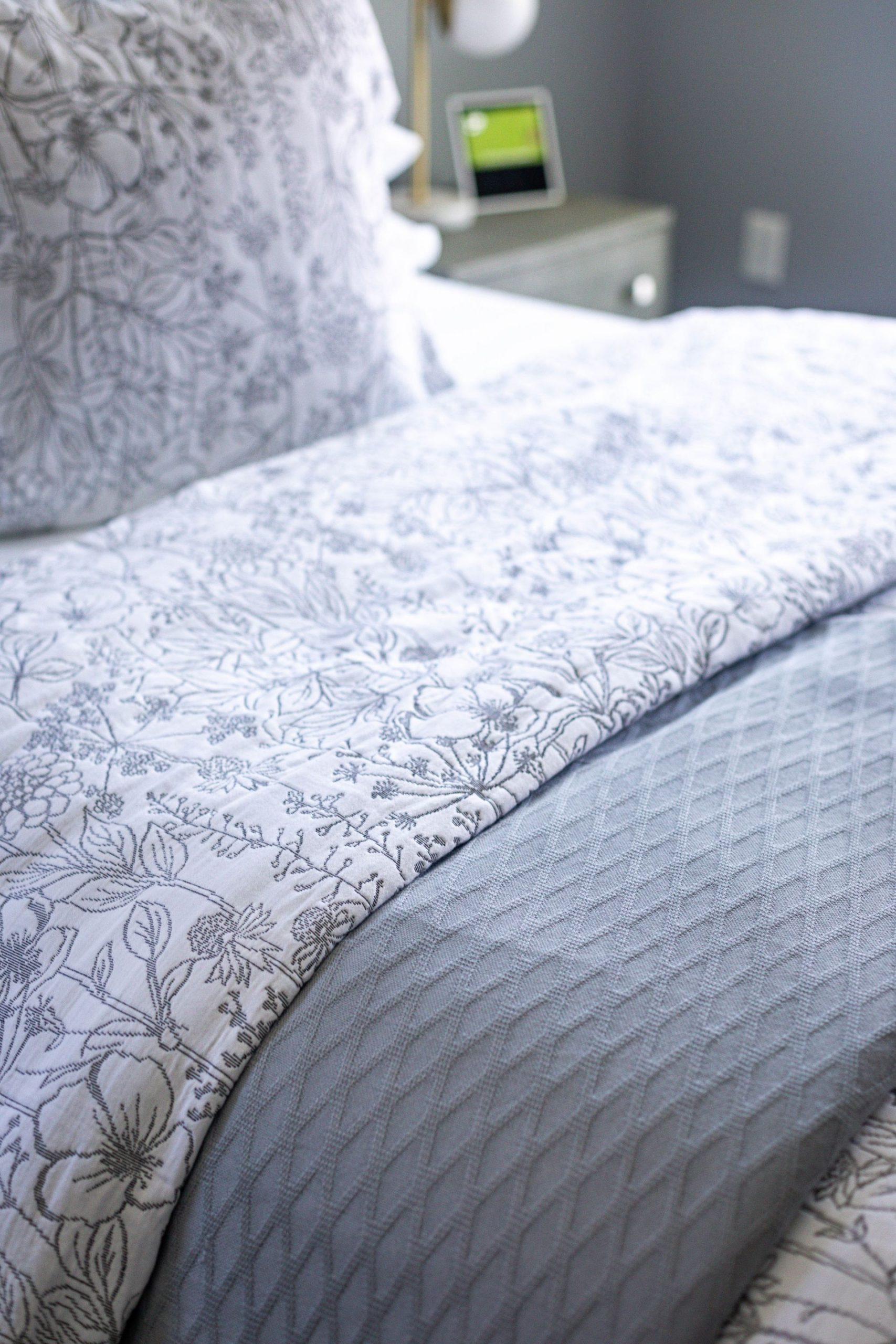 atlanta blogger updates her master suite with spring bedding from the company store, how to refresh your master bedroom, spring bedding, floral sheets, linen sheets, the company store, how to create the perfect master bedroom, how to create the perfect bed