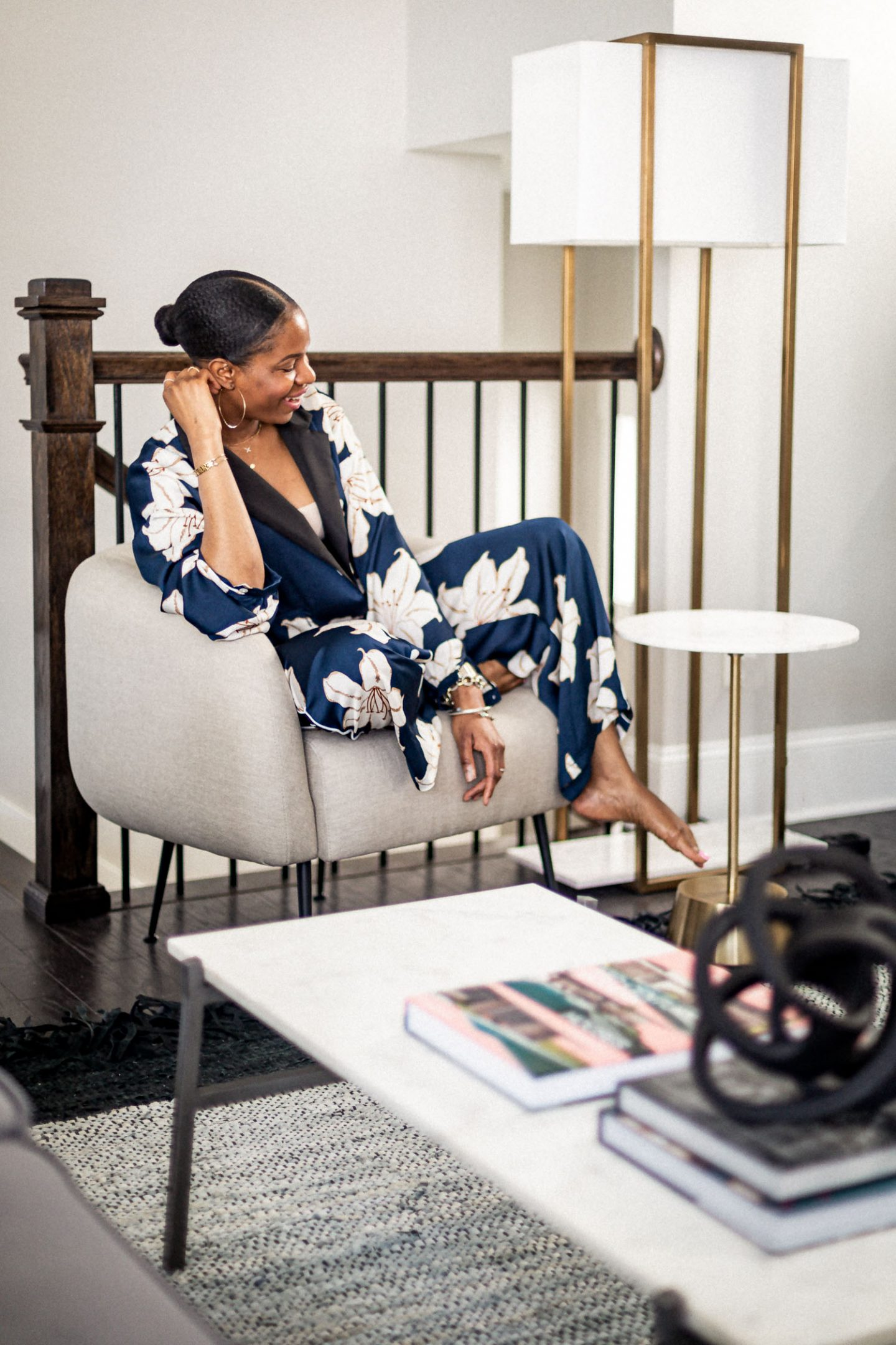 atlanta blogger reveals her new modern living room, living room tour, how to create a modern living room, how to create a minimalist living room, how to create the perfect living room