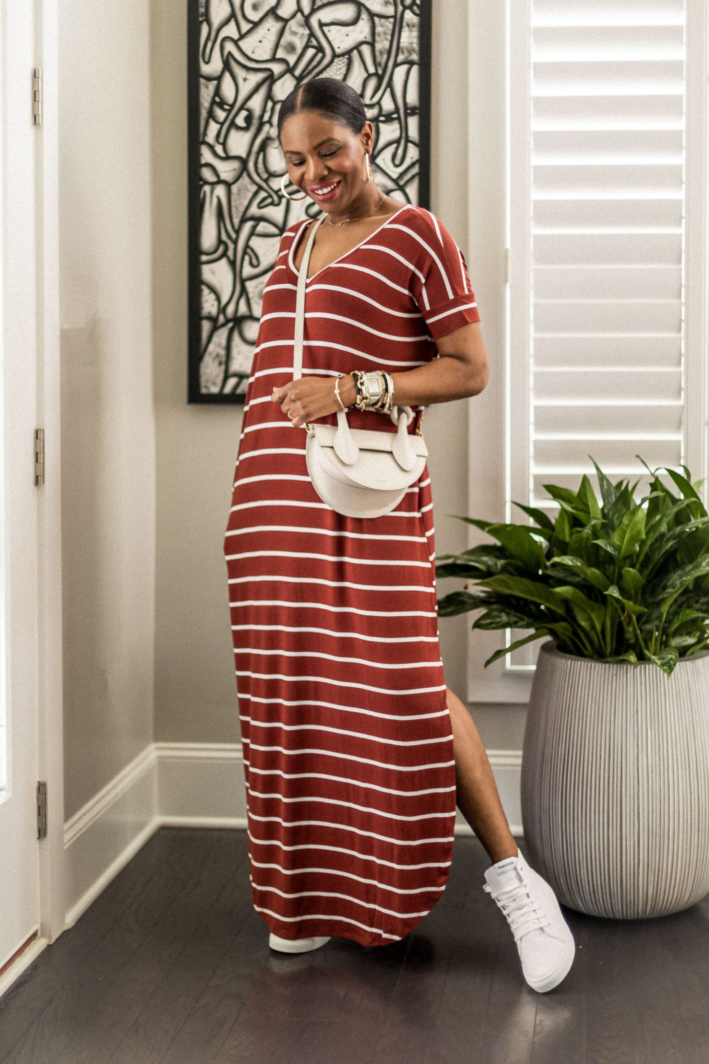 stripe dress, white bag, ladyee dress, maxi dress, how to style a pink dress for summer, lounge wear, best loungewear for summer, summer fashion