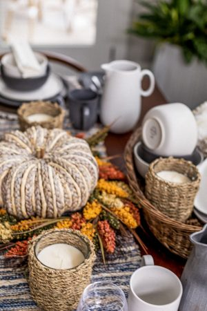 fall decor, how to decorate your dining room for fall, how to decorate a modern space for fall, fall decor