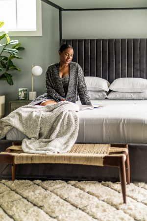 atlanta blogger creates the perfect at home sanctuary with liens and towels from target's casaluna caollection