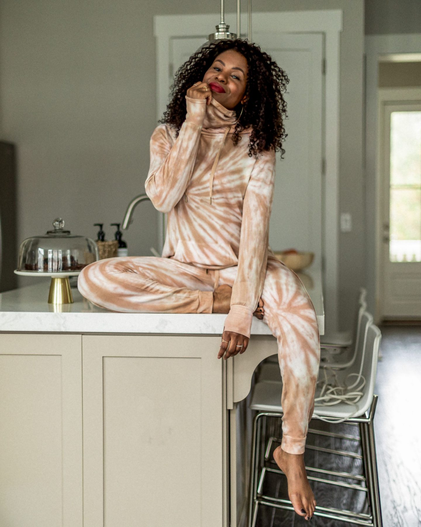 tie-dye, loungewear, sweatshirt, joggers, what to wear at home, what to wear for the holidays, walmart fashion, scoop,