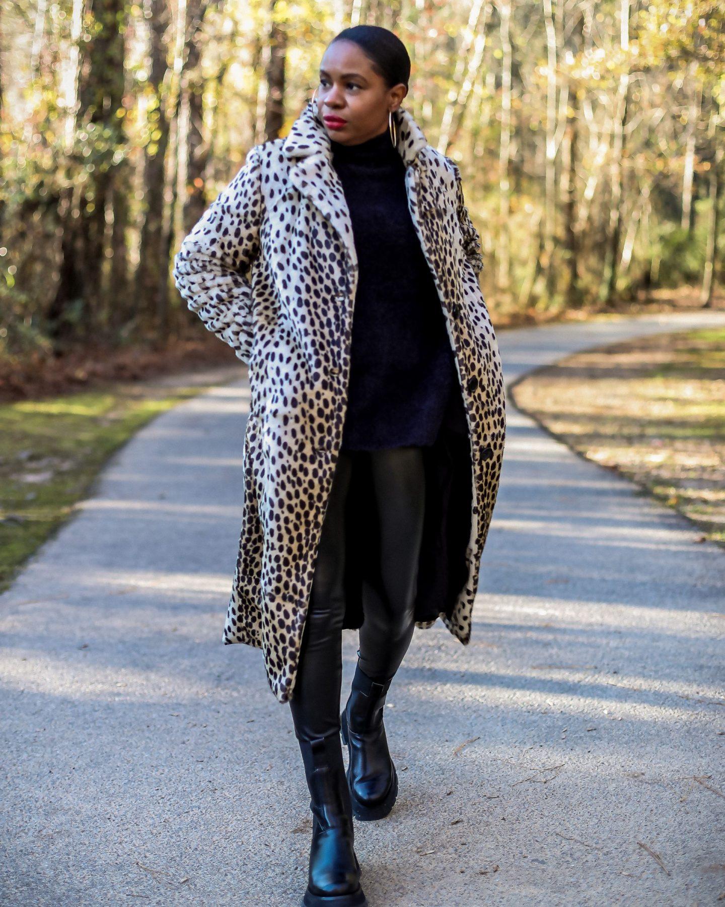 walmart faux fur coat, leopard coat, how to style a faux fur coat for the holidays, holiday coat, leopard coat, long leopard coat, walmart fashion