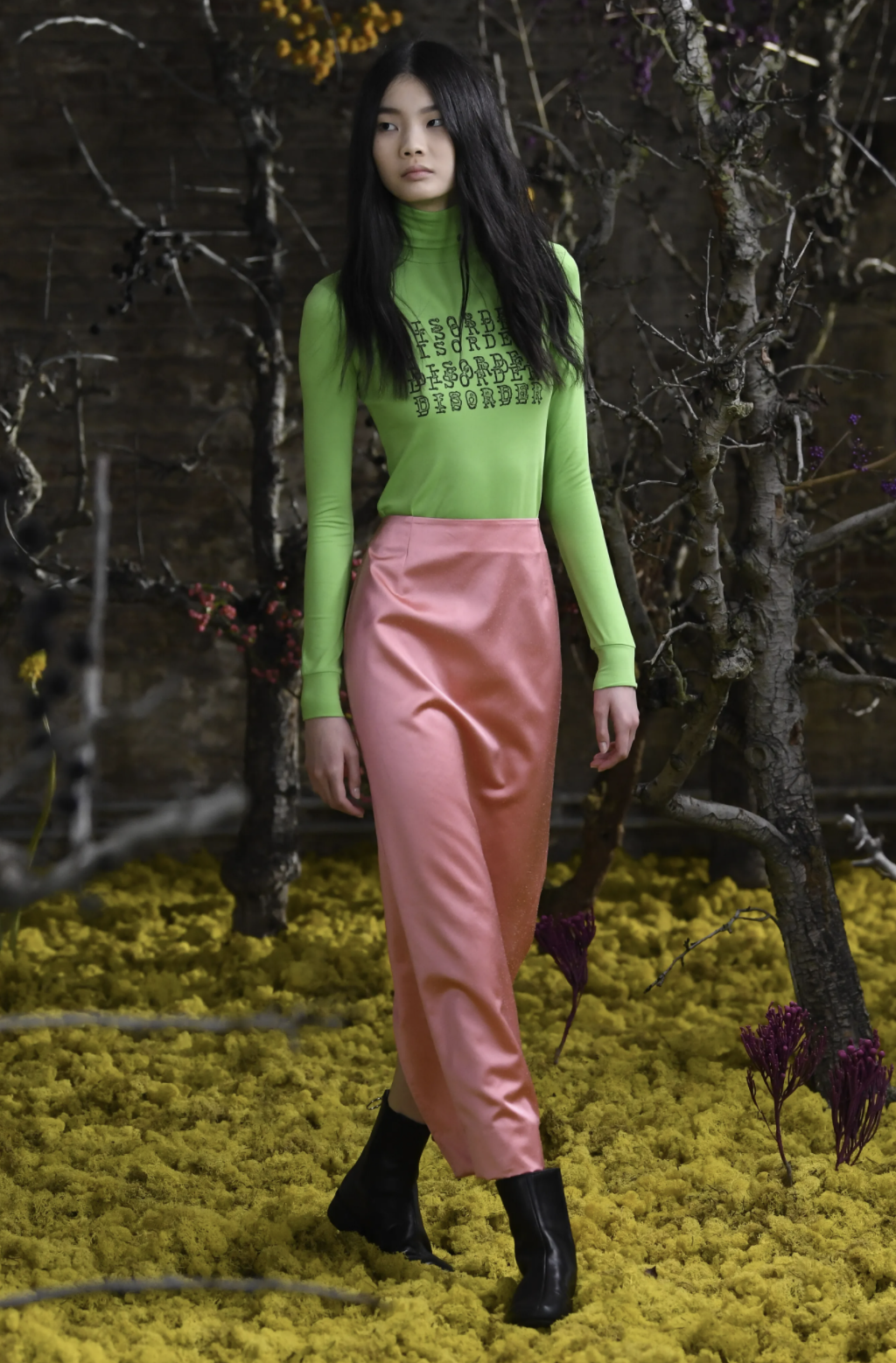 2021 fashion trends, pastel colors, pink skirt, lime green